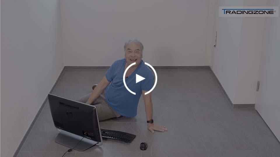 Mann am Boden sitzend