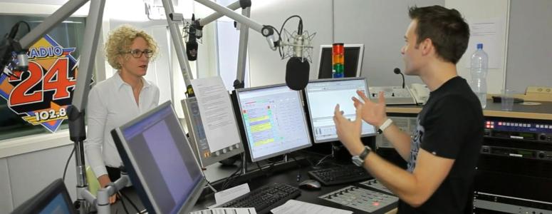 Mann bei Job in ca-media studio